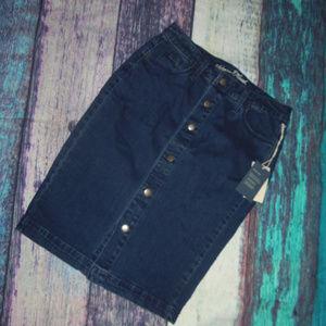 Universal Thread Button Front Denim Skirt 4